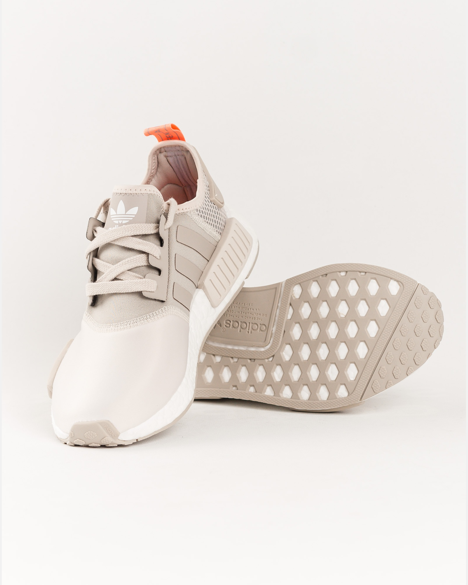 9ad558ed89879 W Femme Adidas Nmd Blanc Chaussures R1 From So49789012 Category T1PHwxqz   Cher R1 Affaire Nmd Femme Adidas Baskets Pas Meilleure qcgSWfnS ...